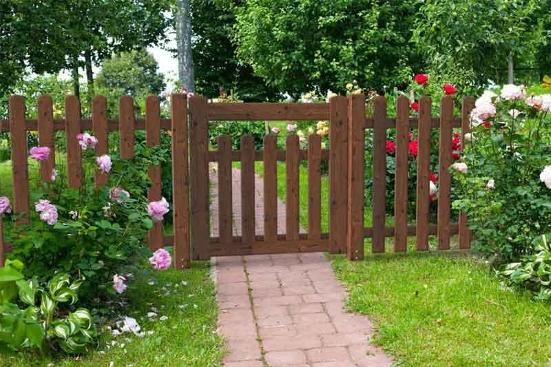 Cancelli e cancelletti in legno impregnato negozio online for Cancelli di legno per giardino