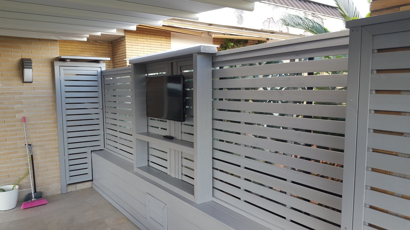 Pannelli frangivento e frangivista in legno per terrazzi e for Pannelli divisori per esterni