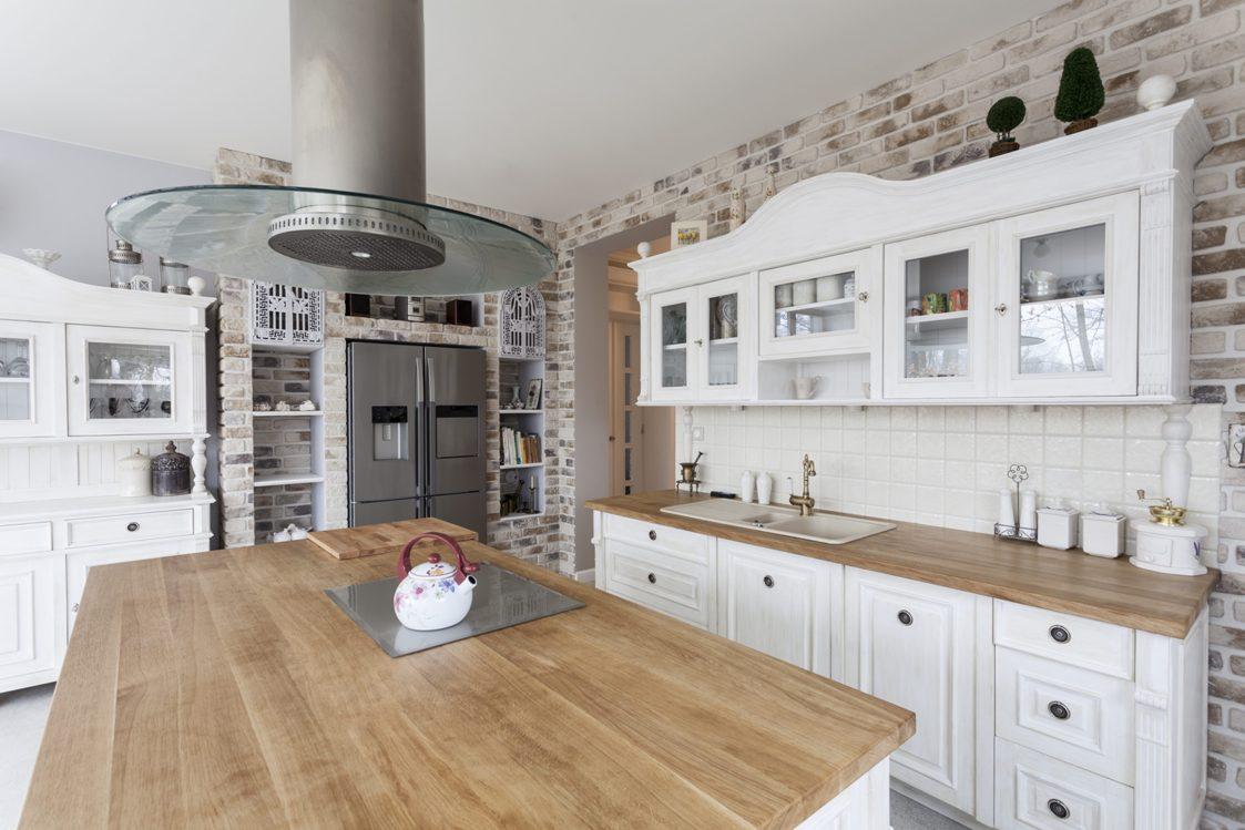 Top per cucine in legno lamellare massello - Cucina laminato effetto legno ...