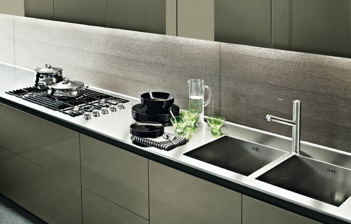 Top per cucine in acciaio inox for Piani di cucina da sogno