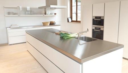 Top per cucine in acciaio inox con salvagoccia
