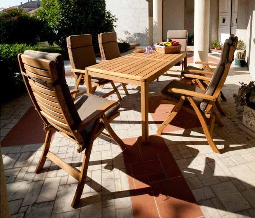 Sedia da giardino Floor con braccioli in legno