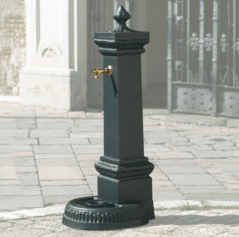 Fontane In Ghisa.Fontana In Ghisa My