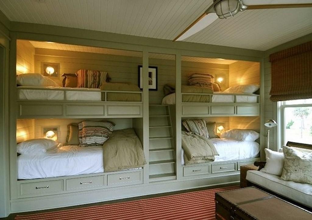 Letto a castello quater su misura for 2 piani letto 2 bagni