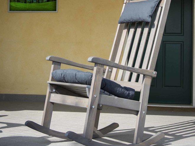 Sedia a dondolo per giardino tz72 regardsdefemmes - Sedia a dondolo prezzi ...