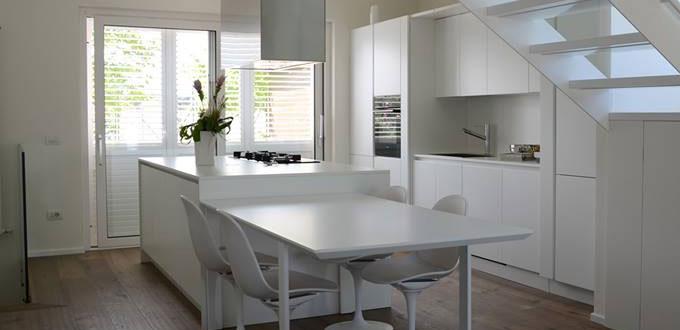 Piani tavolo per cucine bordati - Tavolo cucina marmo ...