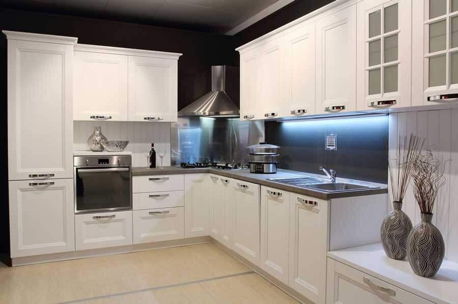 Top per cucine in acciaio INOX con salvagoccia e alzatina